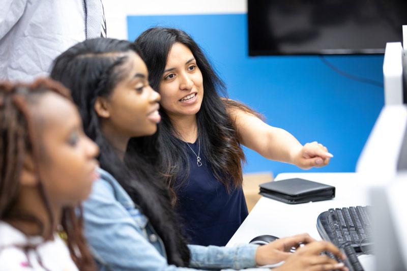 Women in computer class